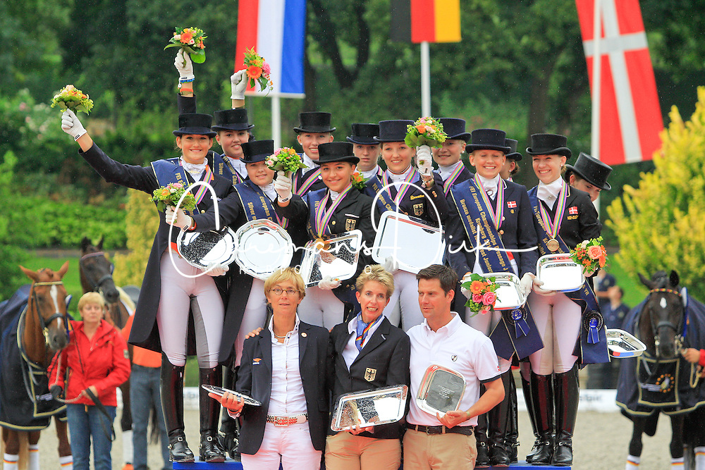 Prizegiving Juniors<br /> European Championship Junioren 2010<br /> © Hippo Foto - Leanjo de Koster
