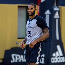 Jaleel Cousins (25) works out during New Orleans Pelicans summer league practice in Metairie, La. Tuesday, July 4, 2017.