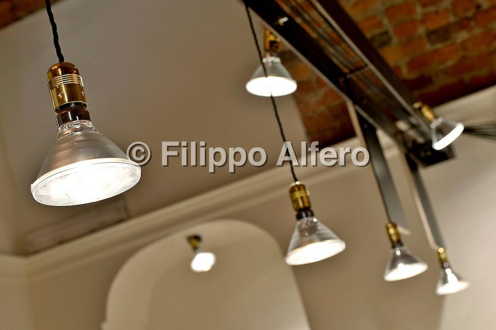 &copy; Filippo Alfero<br /> Gastronomia Bruzzone<br /> Torino, 05/12/2013