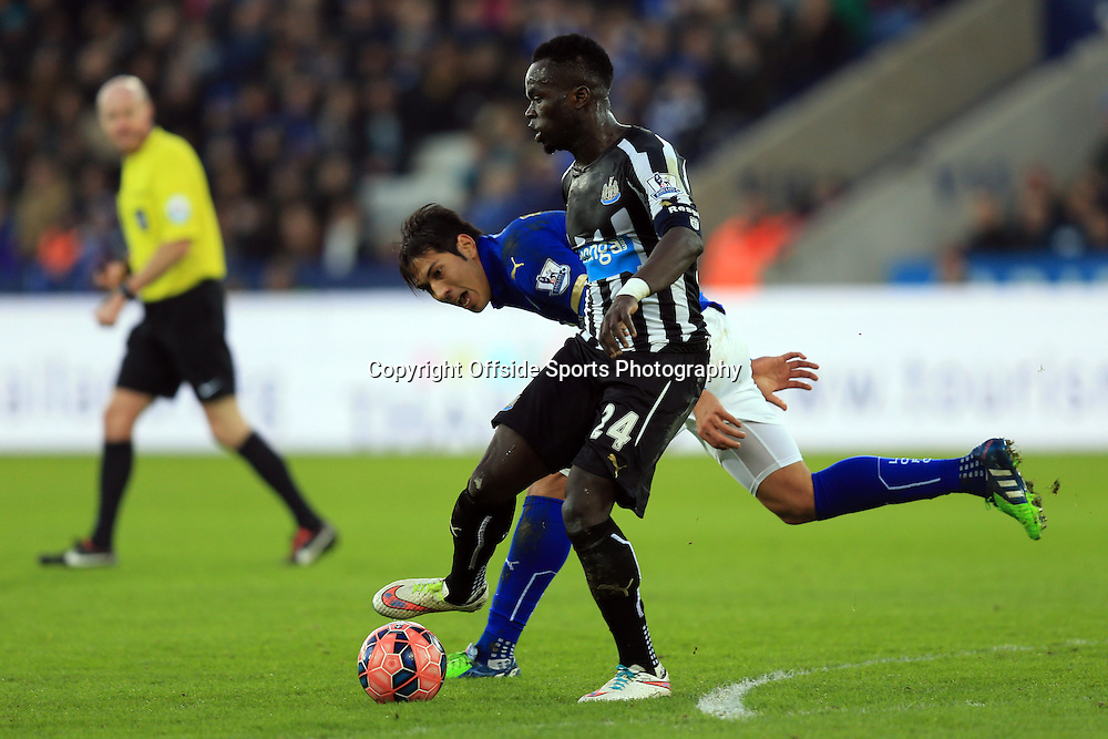 3 January 2015 - The FA Cup 3rd Round - Leicester City v Newcastle United - Leonardo Ulloa of Leicester City in action with Cheik Ismael Tiote of Newcastle United - Photo: Marc Atkins / Offside.