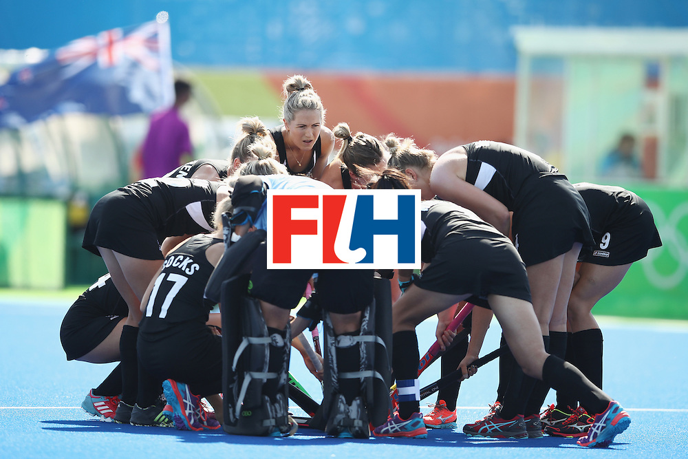 RIO DE JANEIRO, BRAZIL - AUGUST 07:  The New Zealand team form a huddle before the women's pool A match between New Zealand and the Republic of Korea on Day 2 of the Rio 2016 Olympic Games at the Olympic Hockey Centre on August 7, 2016 in Rio de Janeiro, Brazil.  (Photo by Getty Images/Getty Images)