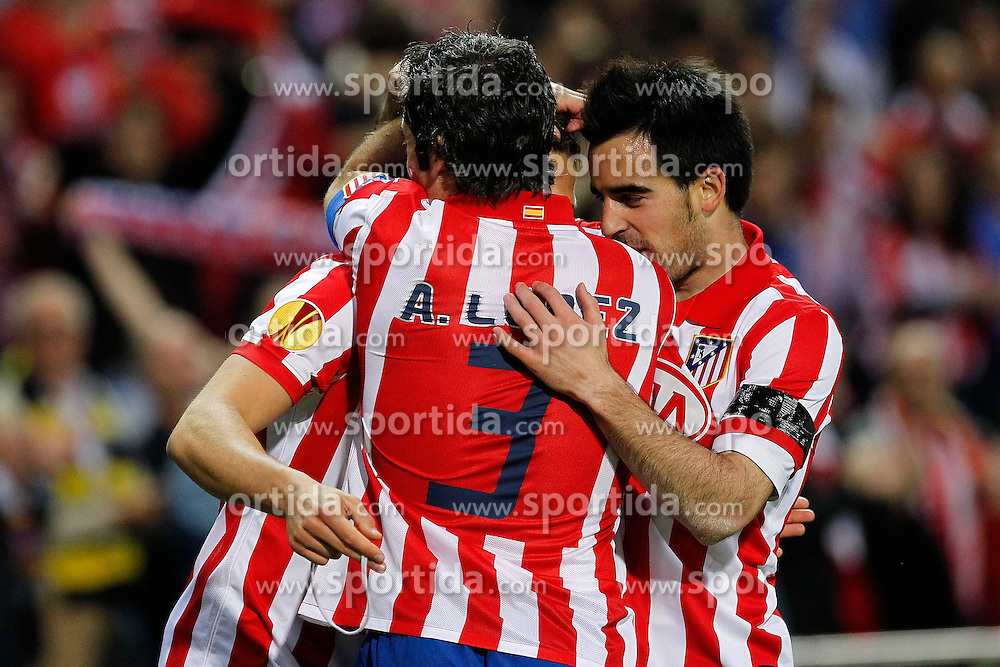 22.04.2010, Estadio Vicente Calderon, Madrid, ESP, UEFA EL, Atletico Madrid vs Liverpool FC im Bild Atletico de Madrid's Diego Forlan, Antonio Lopez und Jose Manuel Jurado jubelt über das 1 zu 0 Tor, EXPA Pictures © 2010, PhotoCredit: EXPA/ Alterphotos/ Acero / SPORTIDA PHOTO AGENCY
