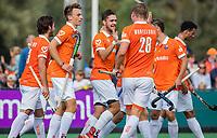 BLOEMENDAAL - Martijn van Grimbergen (Bldaal)heeft gescoord    Hoofdklasse competitiewedstrijd heren, Bloemendaal-Hurley (6-0).  COPYRIGHT KOEN SUYK