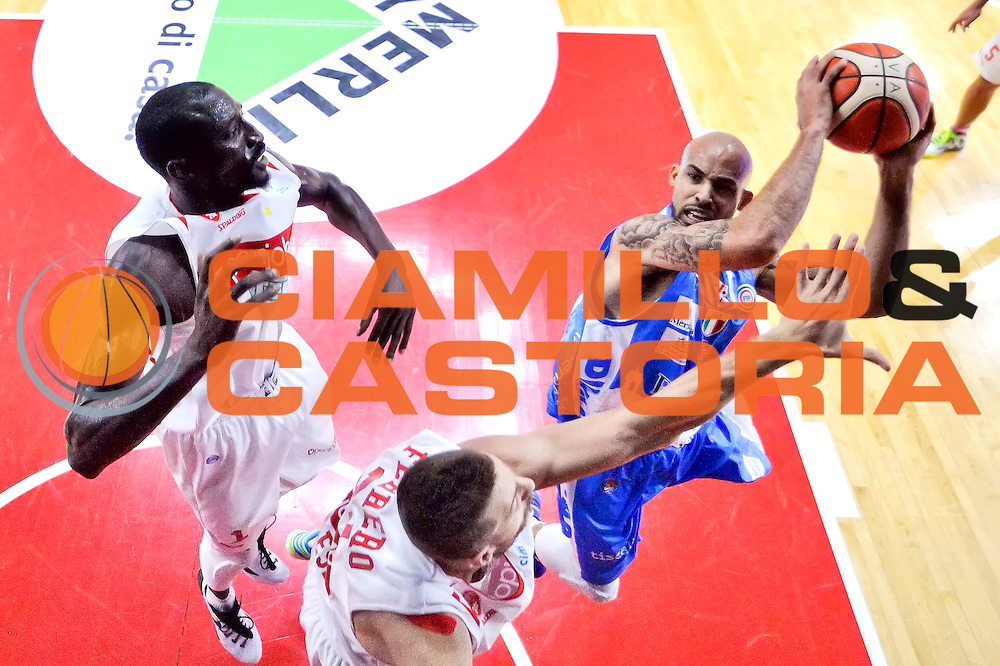 DESCRIZIONE : Varese, Lega A 2015-16 Openjobmetis Varese Dinamo Banco di Sardegna Sassari<br /> GIOCATORE : David Logan<br /> CATEGORIA : Special<br /> SQUADRA : Dinamo Banco di Sardegna Sassari<br /> EVENTO : Campionato Lega A 2015-2016<br /> GARA : Openjobmetis Varese vs Dinamo Banco di Sardegna Sassari<br /> DATA : 26/10/2015<br /> SPORT : Pallacanestro <br /> AUTORE : Agenzia Ciamillo-Castoria/I.Mancini<br /> Galleria : Lega Basket A 2015-2016 <br /> Fotonotizia : Varese  Lega A 2015-16 Openjobmetis Varese Dinamo Banco di Sardegna Sassari<br /> Predefinita :