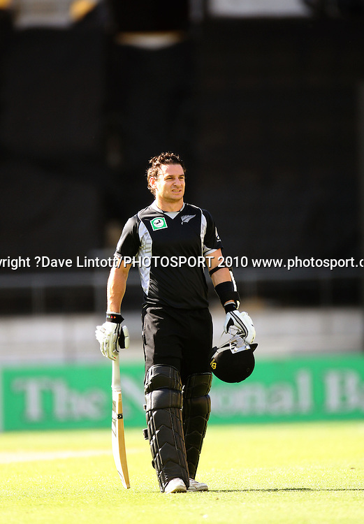 NZ's Nathan McCullum waits for the next batsman after Gareth Hopkins' dismissal.<br /> Fifth Chappell-Hadlee Trophy one-day international cricket match - New Zealand v Australia at Westpac Stadium, Wellington. Saturday, 13 March 2010. Photo: Dave Lintott/PHOTOSPORT
