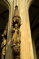 Nederland, Den Bosch, 20160723<br /> Sint Ludger, Missionaris tussen de Friezen en Saksen, de eerste bisschop van M&uuml;nster in Westfalen, b. bij Zuilen bij Utrecht ongeveer 744; d. 26 maart 809 voorgesteld als een bisschop reciterend uit zijn brevier, of met een zwaan aan beide zijden.<br /> Kathedraal St. Jan in Den Bosch.De Sint-Janskathedraal (voluit: de Kathedrale Basiliek van Sint-Jan Evangelist) in de binnenstad van 's-Hertogenbosch wordt veelal beschouwd als het hoogtepunt van de Brabantse gotiek. De kathedraal imponeert door zijn omvang en enorme rijkdom aan beeldhouwwerk. Uniek in Nederland zijn de dubbele luchtbogen en uniek in de wereld zijn de 96 luchtboogfiguren.De kerk in volle pracht op de Parade<br /> Sint-Janskathedraal<br /> <br /> Netherlands, Den Bosch<br /> Saint Ludger, Missionary among the Frisians and Saxons, first Bishop of Munster in Westphalia, b. at Zuilen near Utrecht about 744; d. 26 March, 809 Represented as a bishop reciting his Breviary, or with a swan at either side. <br /> The St. John's Cathedral (in full: the Cathedral Basilica of St. John the Evangelist) in the city of 's-Hertogenbosch is often regarded as the pinnacle of Brabant Gothic. The cathedral impresses by its size and wealth of sculpture. Unique in the Netherlands are the double flying buttresses and unique in the world, the 96 flying buttress figures.<br /> St. John's Cathedral