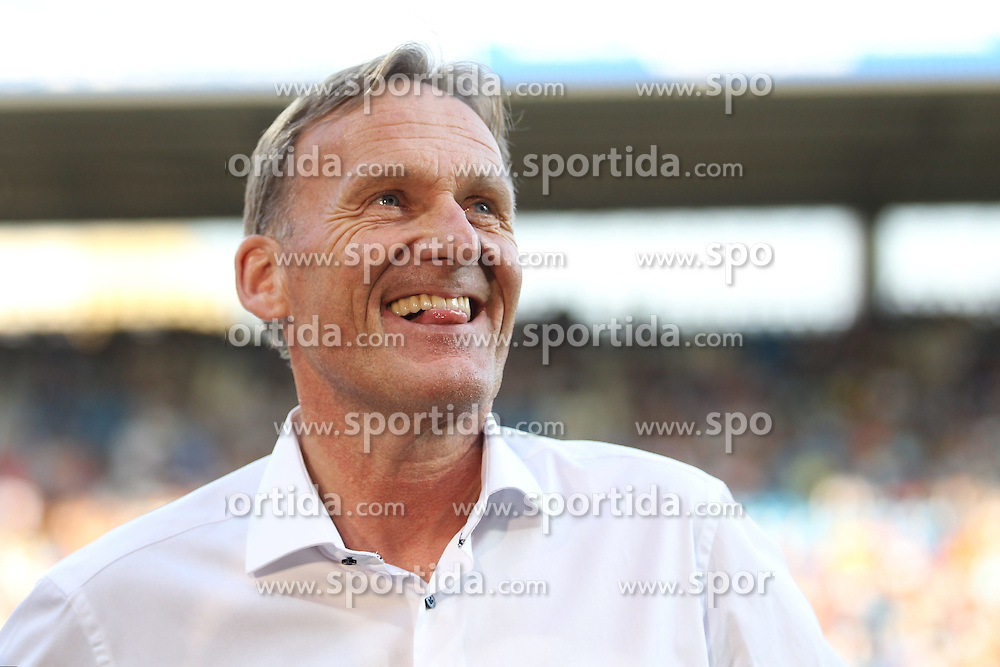 17.07.2015, RewiePower Stadion, Bochum, GER, Testspiel, VfL Bochum vs Borussia Dortmund, im Bild Geschaetsfuehrer Hans-Joachim Watzke (Borussia Dortmund) // during the Interntational Friendly Football Match between VfL Bochum and Borussia Dortmund at the RewiePower Stadion in Bochum, Germany on 2015/07/17. EXPA Pictures &copy; 2015, PhotoCredit: EXPA/ Eibner-Pressefoto/ Schueler<br /> <br /> *****ATTENTION - OUT of GER*****
