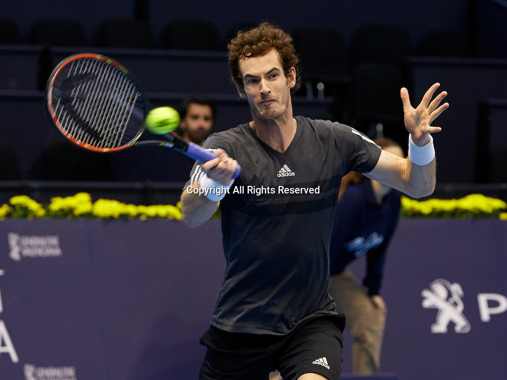 24.10.2014.  Valencia, Spain. Andy Murray of Great Britain versus Kevin Anderson of South Africa. Valencia Open 500 Tennis. Andy Murray of Great Britain plays a forehand