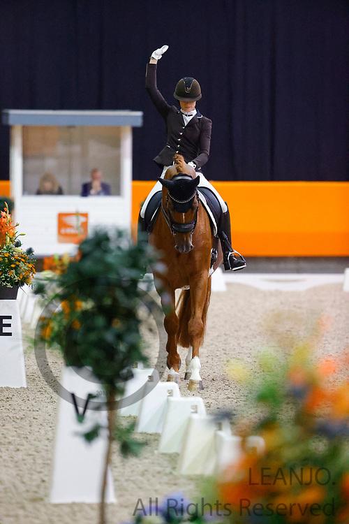 Dinja van Liere - Independent Little Me<br /> KNHS Indoorkampioenschappen 2020<br /> © DigiShots