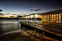 Praia do Ribeirão da Ilha ao anoitecer. Florianópolis, Santa Catarina, Brasil. / Ribeirao da Ilha Beach at dusk. Florianopolis, Santa Catarina, Brazil.