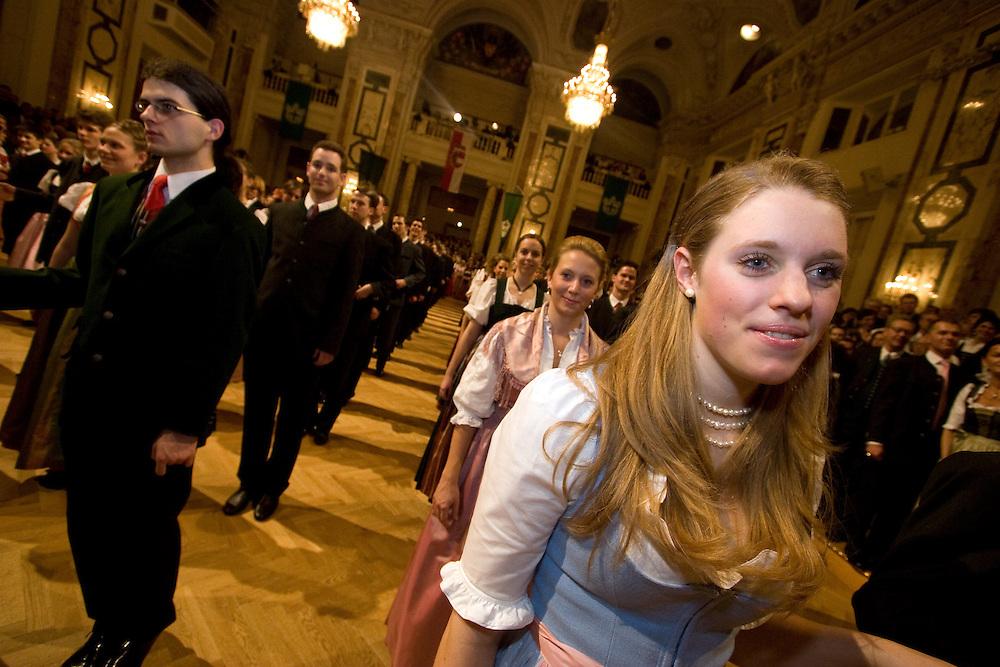 Wien/Oesterreich, AUT, 28.01.2008: Taenzer und Taenzerinnen waehrend dem Jaegerball in der Wiener Hofburg.<br /> <br /> Vienna/Austria, AUT, 28.01.2008: Dancers during the Hunters Ball (Jaegerball) at the &quot;Hofburg&quot; in Vienna.