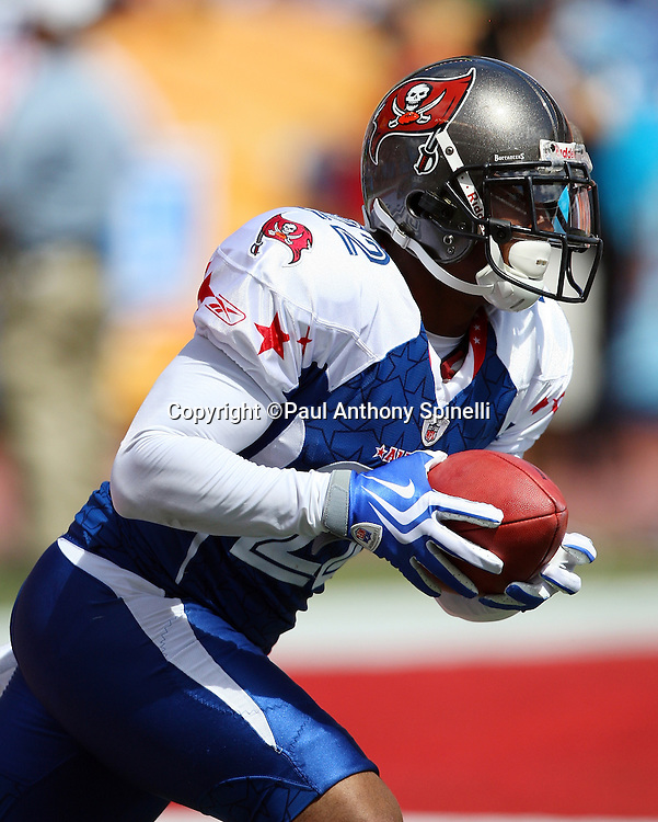 HONOLULU, HI - FEBRUARY 08: NFC All-Stars Clifton Smith #22 of the Tampa Bay Buccaneers returns a kick by the AFC All-Stars in the 2009 NFL Pro Bowl at Aloha Stadium on February 8, 2009 in Honolulu, Hawaii. The NFC defeated the AFC 30-21. ©Paul Anthony Spinelli *** Local Caption *** Clifton Smith