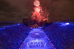 Edinburgh, Scotland, UK. 1 August, 2019. Preview opening night of the 2019 Royal Edinburgh Military Tattoo, performed on the esplanade at Edinburgh Castle. This is the Tattoo's 69th year and it runs from 2-24 August. Pictured the Finale on the castle Esplanade