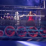 NLD/Amsterdam/20171223 - The Christmas Show 2017 in de Ziggo Dome, Buddy Vedder en Carlo Boszhard en Glennis Grace