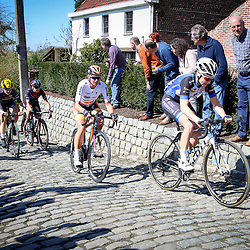 03-04-2016: Wielrennen: Ronde van Vlaanderen vrouwen: Oudenaarde  <br /> OUDENAARDE (BEL) cycling  The sixth race in the UCI Womensworldtour is the ronde van Vlaanderen. A race over the famous Flemish climbs. On the Molenberg Lauren Kitchen, Chantal Blaak