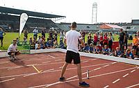 """AMSTERDAM  -  3v3 urban hockey in het Olympisch Stadion tijdens de NextGen Games. Gemeente Amsterdam. Urban toppers Luuk & Leen van Team streethockey een Urban demo (genoemd het """"Magic Moment""""....). COPYRIGHT  KOEN SUYK"""