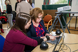 Pictured: Sarah Taylor, Reseach Nurse TEC project demonstrated the new tool to Ms Watt<br /> Today Mental Health Minister Maureen Watt vsiisted the Royal Hospital in Edinburgh to help aunch the online resource aimed at young people in this Eating Disorders Awareness Week, While thee she met two two Beat ambassadors, Constance Barter and Ballari Conner<br /> <br /> Ger Harley | EEm 28 Fbruary 2018