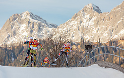 17.12.2016, Nordische Arena, Ramsau, AUT, FIS Weltcup Nordische Kombination, Langlauf, im Bild Fabian Riessle (GER), David Pommer (AUT) // Fabian Riessle of Germany, David Pommer of Austria during Cross Country Competition of FIS Nordic Combined World Cup, at the Nordic Arena in Ramsau, Austria on 2016/12/17. EXPA Pictures © 2016, PhotoCredit: EXPA/ JFK