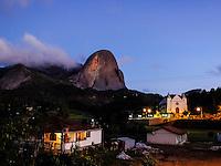 Brasil - Domingos Martins - Espirito Santo - Anoitecer no distrito de Pedra Azul - Foto: Gabriel Lordello/ Mosaico Imagem