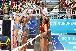 20140607 ITA: EK Beachvolleybal, Cagliari<br /> Dubbel block door Madelein Meppelink, Marleen van Iersel <br /> ©2014-FotoHoogendoorn.nl / Pim Waslander