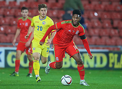 WREXHAM, WALES - Tuesday, November 17, 2015: Wales' Ellis Harrison in action against Romania during the UEFA Under-21 Championship Qualifying Group 5 match at the Racecourse Ground. (Pic by David Rawcliffe/Propaganda)
