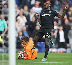 Michail Antonio of West Ham United reacts after injuring his foot - Mandatory by-line: Jack Phillips/JMP - 14/10/2017 - FOOTBALL - Turf Moor - Burnley, England - Burnley v West Ham United - English Premier League