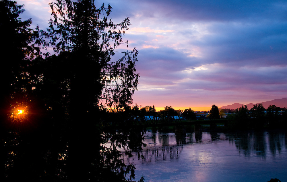 The sunsetting over the Skagit River in Mt Vernon, Wash., on May 21, 2008.