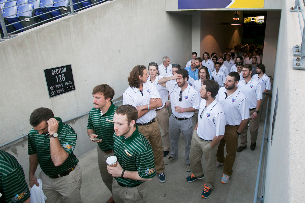05/23/2014 - Baltimore, Md. - The Tufts men's lacrosse team takes in M&T Bank Stadium in anticipation of the NCAA Division III National Championship on May 23, 2014. (Kelvin Ma/Tufts University)
