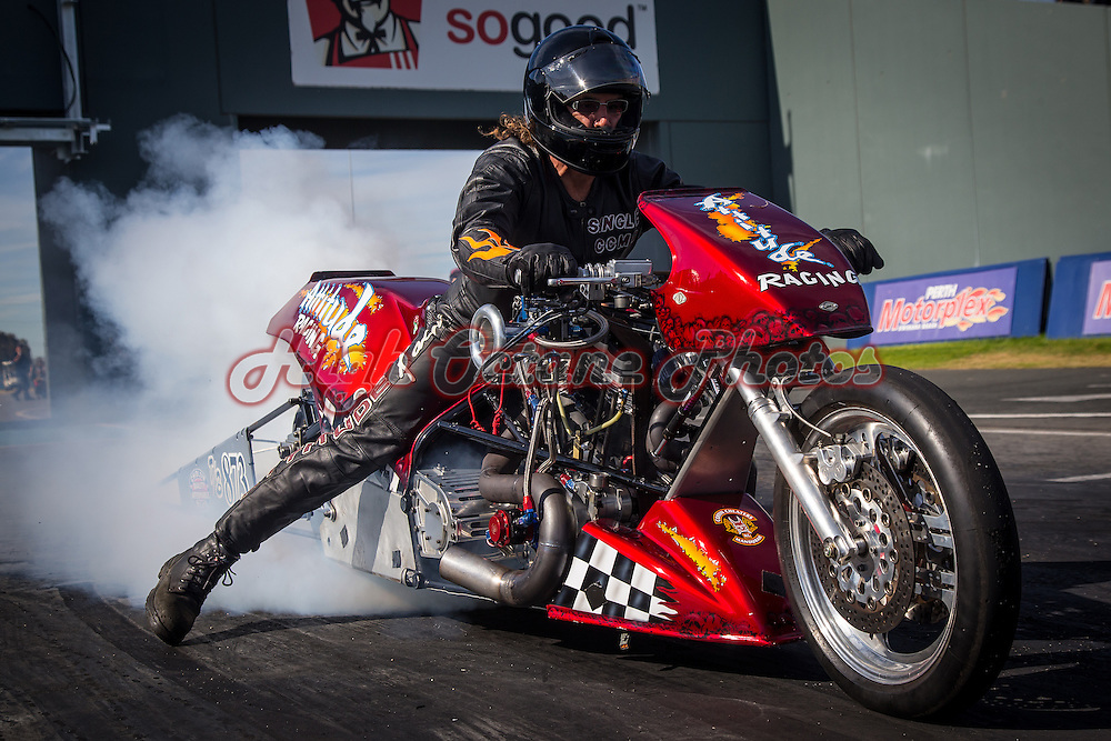 Ian 'Single' Ashelford (873) on his Attitude Racing Harley Davidson Top Bike at the Perth Motorplex.