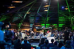 "14.05.2012, Hangar 7, Salzburg, AUT, Sport und Talk, Live aus dem Hangar 7, im Bild Christian Horner (GBR, Teamchef Red Bull Racing), Mark Webber (AUS, Red Bull Racing), Andi Groebl (Servus TV Moderator), Jacques Schulz (GER, Sky Moderator), Sebastian Vettel (GER, Red Bull Racing) und Niki Lauda (AUT, dreimaliger Formel 1 Weltmeister) // during the Servus TV show ""Sport and Talk live at the Hangar 7, Salzburg, Austria on 2012/05/14, EXPA Pictures © 2012, PhotoCredit: EXPA/ Juergen Feichter"