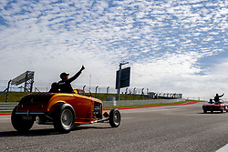 October 21, 2018 - Austin, United States - Motorsports: FIA Formula One World Championship; 2018; Grand Prix; United States, FORMULA 1 PIRELLI 2018 UNITED S GRAND PRIX , Circuit of The Americas#44 Lewis Hamilton (GBR, Mercedes AMG Petronas F1 Team),   in the drivers parade  (Credit Image: © Hoch Zwei via ZUMA Wire)