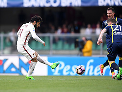 VERONA, May 21, 2017  Roma's Mohamed Salah (L) Mohamed Salah (L) kicks to score the team's fourth goal during a Serie A soccer match against Chievo Verona in Verona, Italy, May 20, 2017. Roma won 5-3. (Credit Image: © Alberto Lingria/Xinhua via ZUMA Wire)