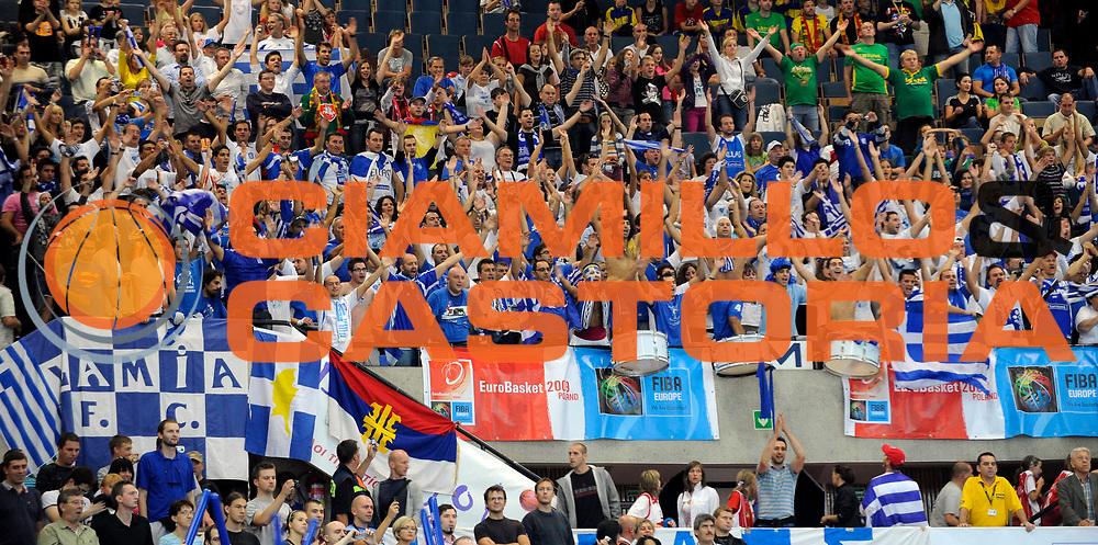DESCRIZIONE : Katowice Poland Polonia Eurobasket Men 2009 Semifinale Semifinal Spagna Spain Grecia Greece<br /> GIOCATORE : Tifosi Supporters Grecia Greece<br /> SQUADRA : Grecia Greece<br /> EVENTO : Eurobasket Men 2009<br /> GARA : Spagna Spain Grecia Greece<br /> DATA : 19/09/2009 <br /> CATEGORIA :<br /> SPORT : Pallacanestro <br /> AUTORE : Agenzia Ciamillo-Castoria/N.Parausic<br /> Galleria : Eurobasket Men 2009 <br /> Fotonotizia : Katowice  Poland Polonia Eurobasket Men 2009 Semifinale Semifinal Spagna Spain Grecia Greece<br /> Predefinita :
