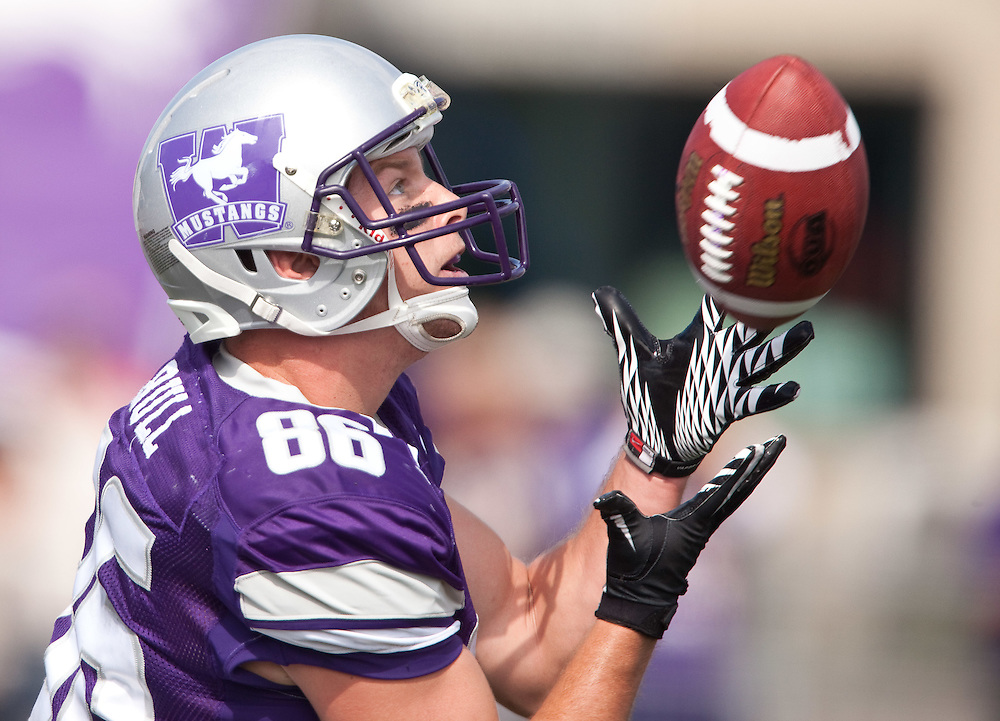 London, ONT.; September 17, 2011 -- Western's Zach Bull catches a pass during the Mustang's 41-13 victory over the Ottawa Gee Gees at TD Waterhouse Stadium in London, Ontario, September 17, 2011.  <br /> <br /> (GEOFF ROBINS/ Ottawa Citizen