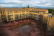 "Roma, 02/12/2014: Scuola Elementare Statale ""Gioacchino Gesmundo"" nel quartiere popolare di Tor Sapienza - Elementary Public School in the popular neighborhood of Tor Sapienza."