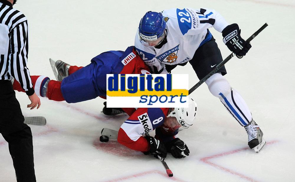 Mads Hansen (NOR) gegen Tommi Santala (FIN). © Valeriano Di Domenico/EQ Images