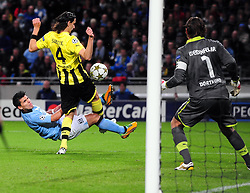 Borussia Dortmund's Neven Subotic handles the ball leading to a Manchester City penalty in the last minute - Photo mandatory by-line: Joe Meredith/JMP  - Tel: Mobile:07966 386802 03/10/2012 - Manchester City v Borussia Dortmund - SPORT - FOOTBALL - Champions League -  Manchester   - Etihad Stadium -