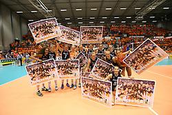 20160725 NED: Nederland - Zuid - Korea, Rotterdam<br />Team Nederland, met succeswensen.<br />&copy;2016-FotoHoogendoorn.nl / Pim Waslander