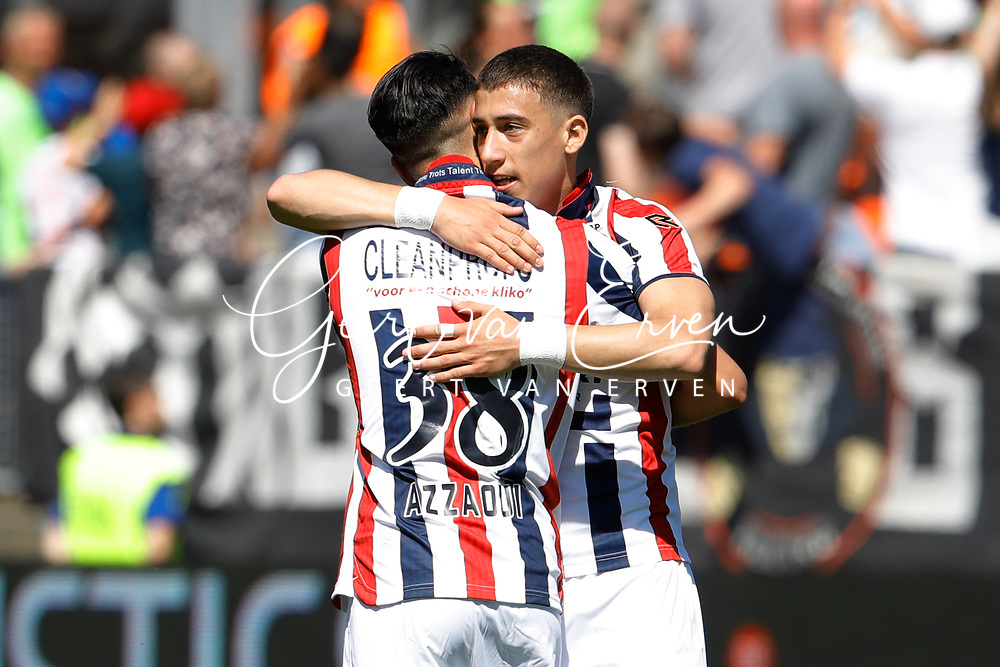 *Konstantinos Tsimikas* of Willem II celebrates 1-0 with *Ismail Azzaoui* of Willem II