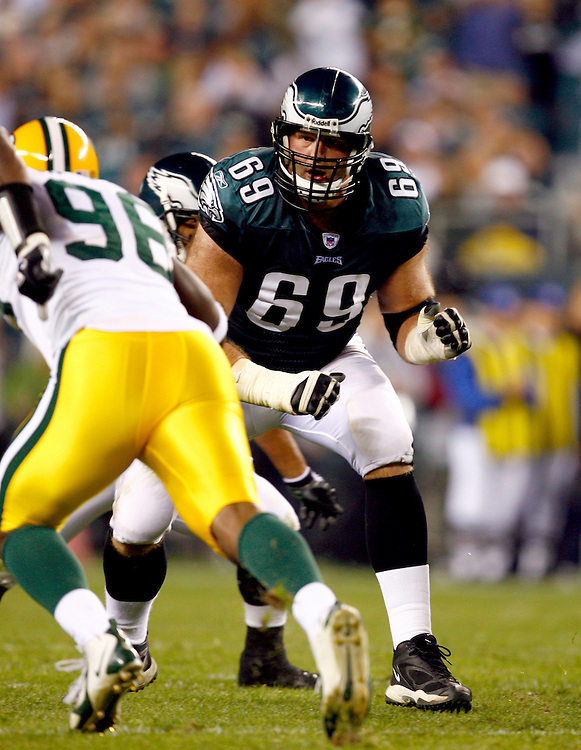 PHILADELPHIA - OCTOBER 2: Offensive lineman Jon Runyan #69 of the Philadelphia Eagles in action against the Green Bay Packers on October 2, 2006 at Lincoln Financial Field in Philadelphia, Pennsylvania. The Eagles defeated the Packers 31-9. *** Local Caption *** Jon Runyan