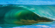 Hawaiian shorebreak wave