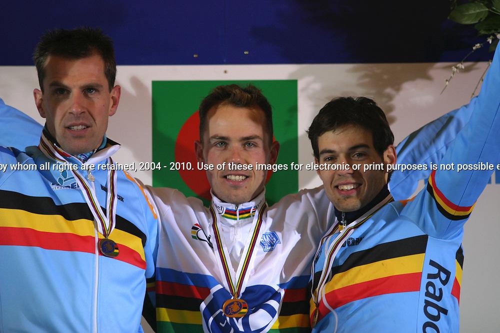 Sven Nys worldchampion cyclocross in Sankt Wendel Germany 2005 also on the podium Erwin Vervecken and Sven van Thourenhout