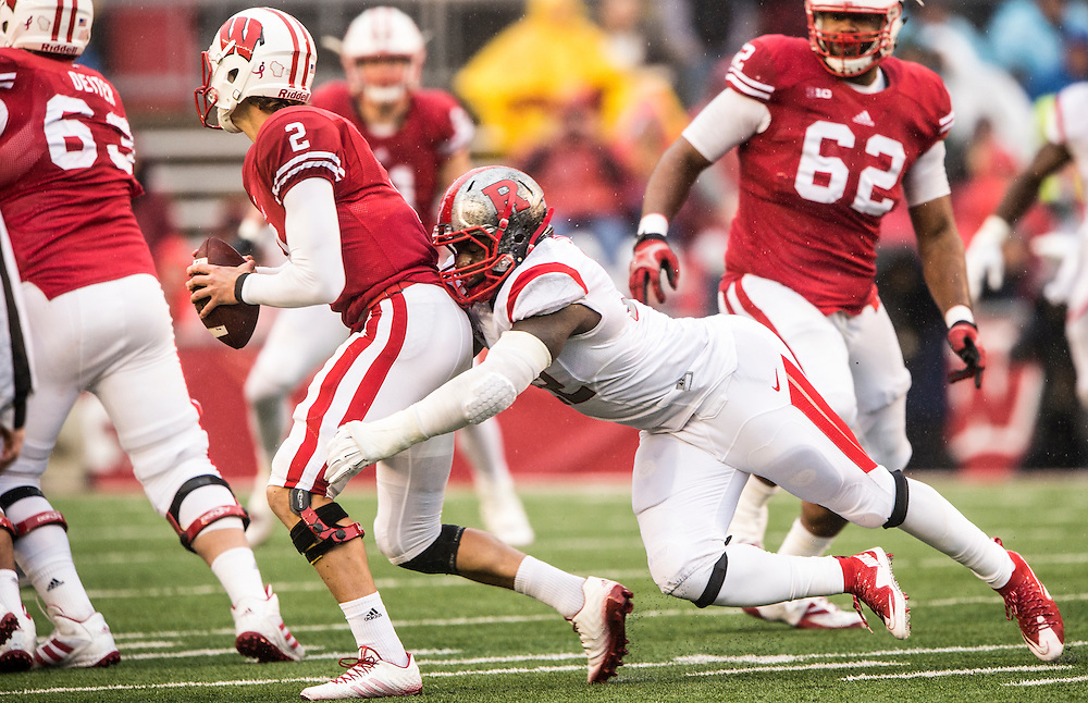 The Rutgers Scarlet Knights take on the Wisconsin Badgers at Camp Randall Stadium in Madison, WI on Saturday afternoon, October 31, 2015.<br />