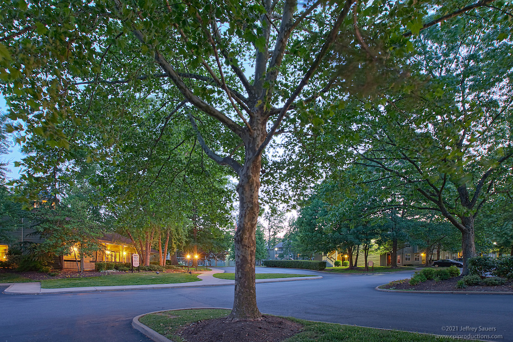 Architectural photography of Hunter's Chase Apartments in Midlothian VA by Jeffrey Sauers of Commercial Photographics.