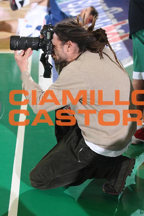 DESCRIZIONE : Avellino Eurolega 2008-09 Air Avellino Cibona Zagabria <br /> GIOCATORE : Luca Sgamellotti Fotografo<br /> SQUADRA : <br /> EVENTO : Eurolega 2008-2009<br /> GARA : Air Avellino Cibona Zagabria<br /> DATA : 15/01/2009 <br /> CATEGORIA : Ritratto<br /> SPORT : Pallacanestro <br /> AUTORE : Agenzia Ciamillo-Castoria/G.Ciamillo