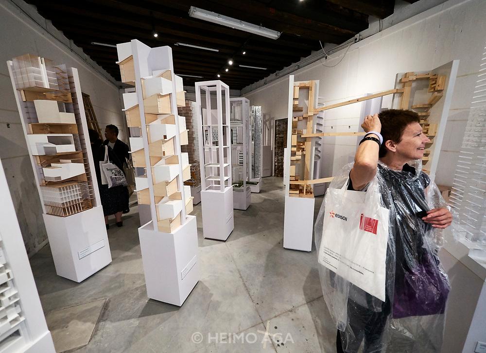 FREESPACE - 16th Venice Architecture Biennale. Hong Kong, ÑVertical Fabric: density in landscapeì.