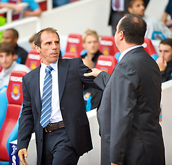 LONDON, ENGLAND - Saturday, September 19, 2009: Liverpool's manager Rafael Benitez and West Ham United's manager Gianfranco Zola during the Premiership match at Upton Park. (Pic by David Rawcliffe/Propaganda)