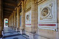 France, Paris (75), le théâtre de la Comédie Française situé dans le Palais Royal durant le confinement du Covid 19 // France, Paris, the Comédie Française theater located in the Royal Palace during the lockdown of Covid 19