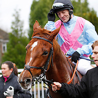 Irons On Fire and Kieren Fallon returning to the winners enclosure