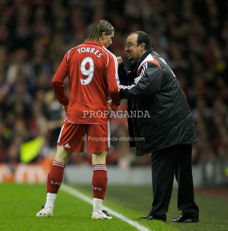 LIVERPOOL, ENGLAND - Tuesday, January 15, 2008: Liverpool's Fernando Torres and manager Rafael Benitez during the FA Cup 3rd Round Replay against Luton Town at Anfield. (Photo by David Rawcliffe/Propaganda)